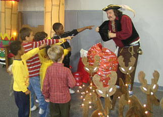 Pirate entertains kids